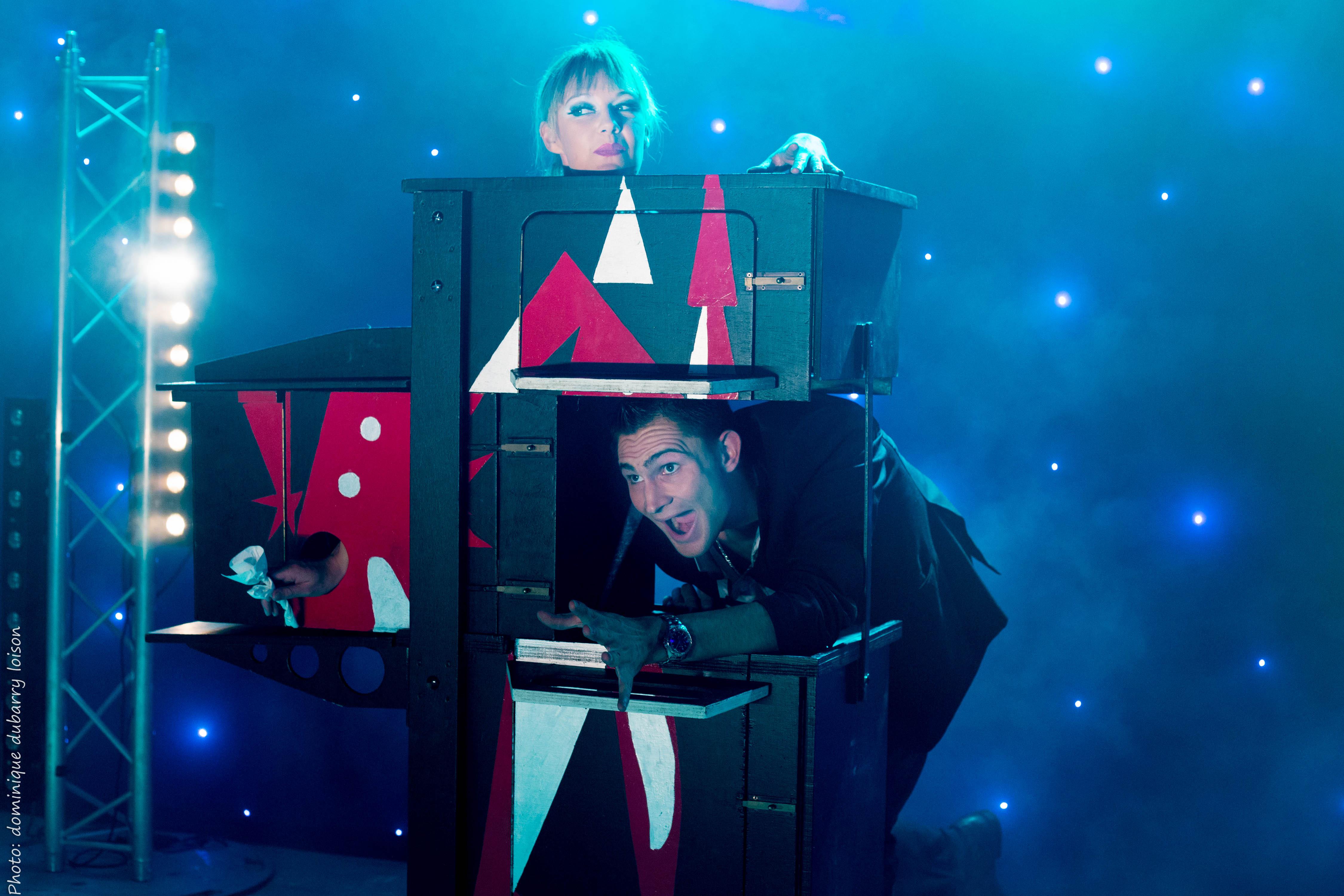 Lodie lobjois magicienne spectacle de magie danse - Magie femme coupee en deux explication ...