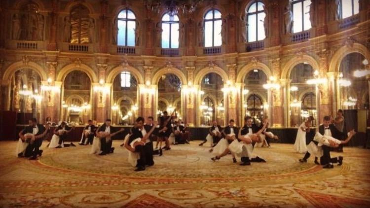 25 Aout 2017 – Tournage Film Chinois au Grand Hôtel Paris Danseuse Tango