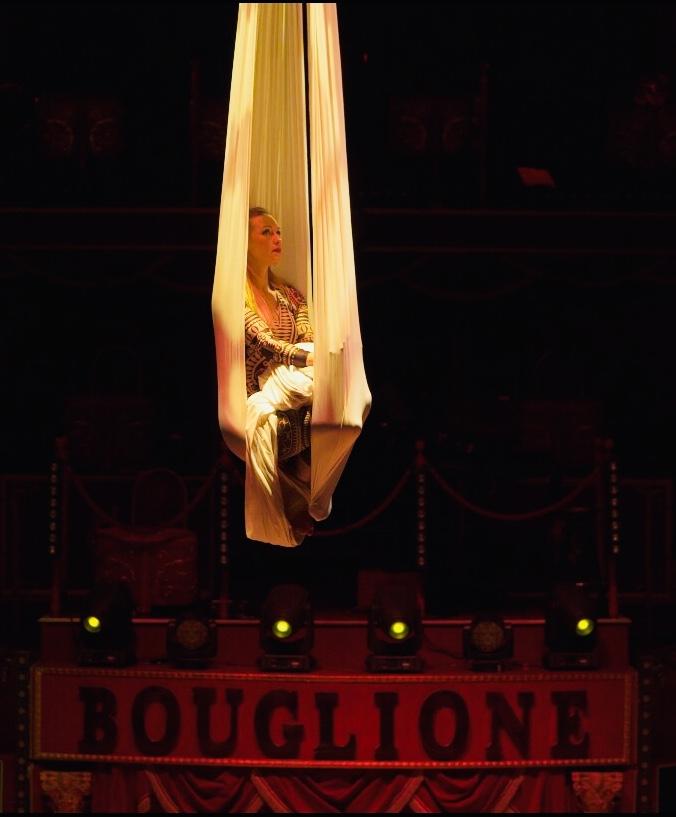 Cirque D'hiver, Elodie Lobjois, Cie Entourage, Tissu aérien